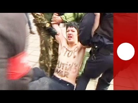 Femen in Crimea: Topless protester detained outside parliament