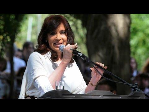 20 de MAR. Cristina Fernández inauguró obras en El Calafate y el Nuevo DNI 24 Hs.