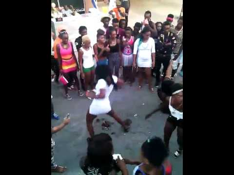 CRAZY JAMAICAN GIRLS DANCE ON FIRE (HOTUP RAZOR B) thumbnail