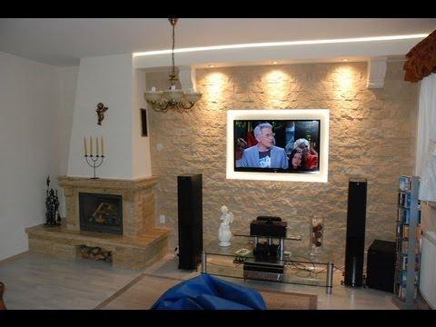 Kominek i telewizor na jednej ścianie aranżacje
