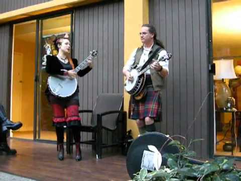 Steamcon: Nathan and Unwoman's banjo duel pt 1/4- House of the Rising Sun