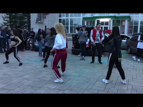 18+ девочки отлично танцуют