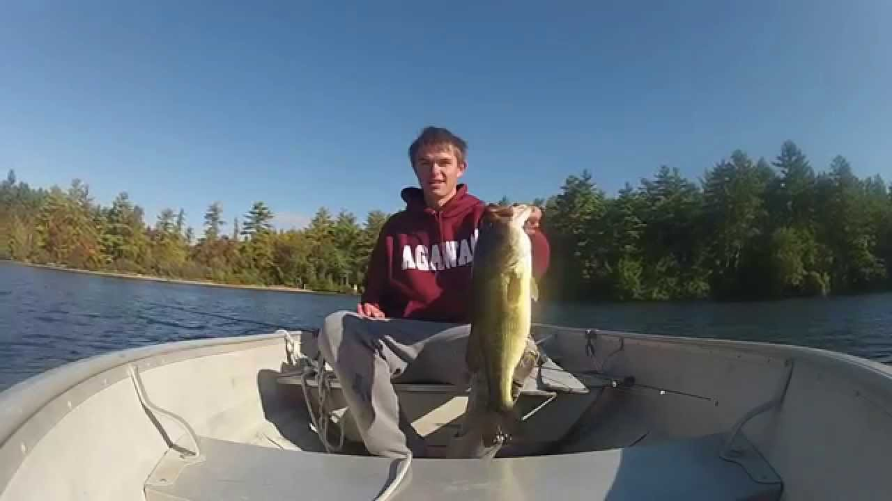 15 second fish catch big largemouth on a senko youtube for Watch big fish