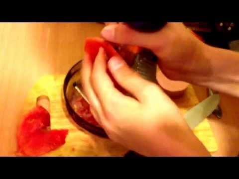 Как приготовить омлет с помидорами и колбасой !
