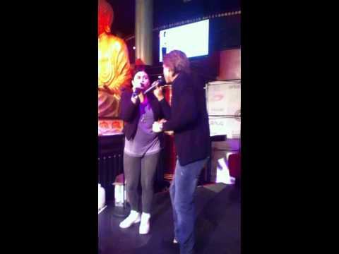 Roxeanne & André Hazes Jr. - Party up medley.