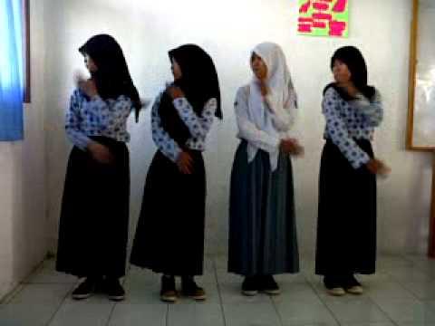 Tarian Daerah Padang Ala Siswi Xi-ips2 Smancik video