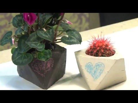 Горшочек из гипса для комнатных растений.