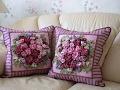 Декративные подушки на диван вышитые лентами