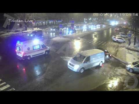 ДТП на перекрестке пр. Науки - ул. Бакулина (08-01-2016)