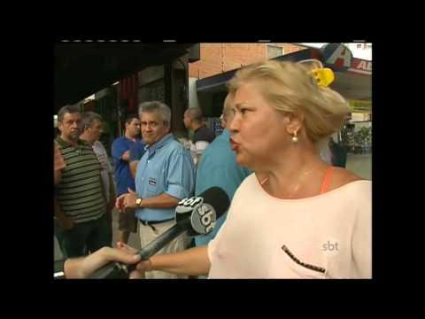 Comerciantes se revoltam e removem bloqueio em via do Rio