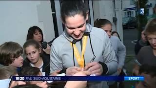 Alexandra Lacrabère, championne du monde de handball de retour à Gan