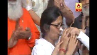 DCW Chief Swati Maliwal Breaks Her Indefinite Hunger Strike | ABP News