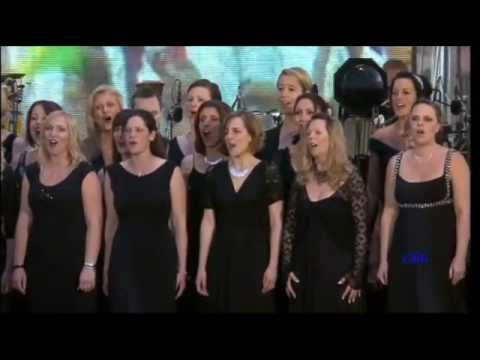 Sing ~ Gary Barlow & The Commonwealth Band/Military Wives Choir (Diamond Jubilee Concert)♚