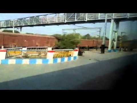 Wap-4 Dbrt 12424 Fastest Raj In Section - Rajdhani Skips Tundla Jn video