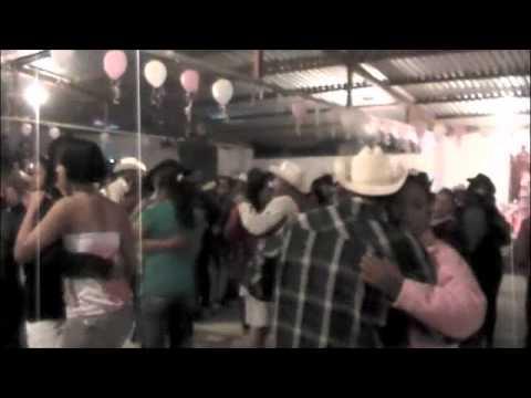 Bailazo de XV Años en Cerritos de Bernal SLP Monarcas del Valle 31 dic 2010