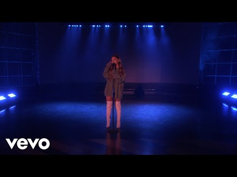 Ariana Grande - Breathin (Live on Ellen / 2018)