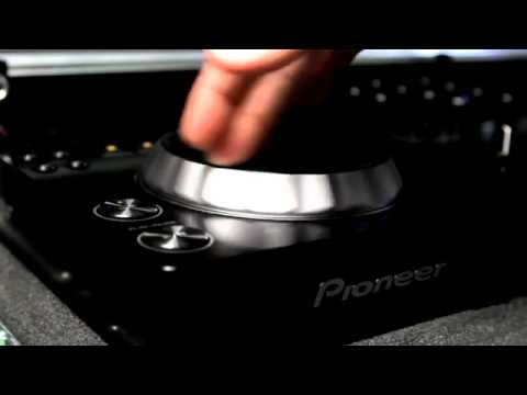 Pioneer CDJ 350 Digital Multimedia Deck with rekordbox support