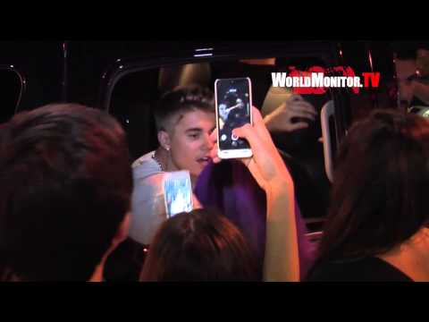 Justin Bieber shows Mad Love for his Fans in LA, Kylie Jenner Hangs out with New Boyfriend!