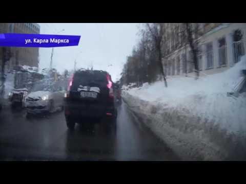Видеорегистратор. ДТП ехал задним ходом Нововятский. Место происшествия 13.03.2017