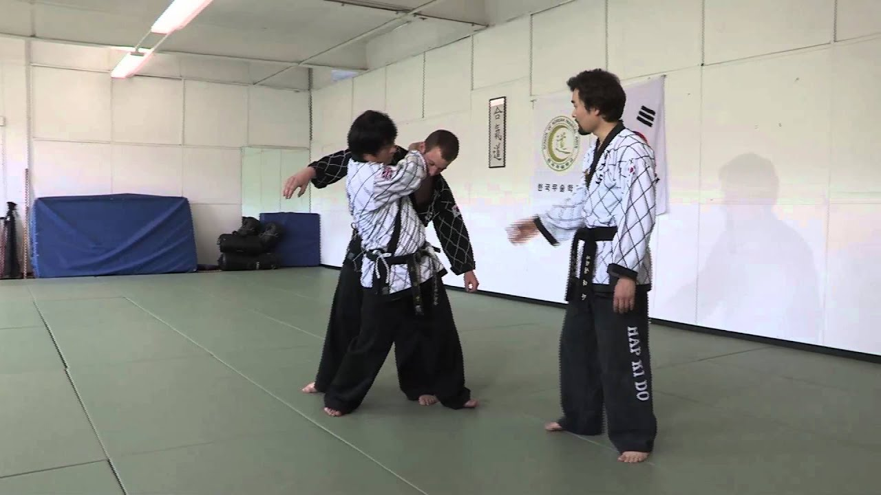 How To Defend Yourself From An Attacker - YouTube - photo#5