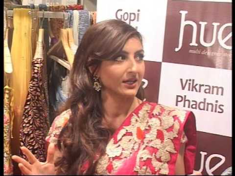 Soha Ali khan at launch of HUE fashion's new collection