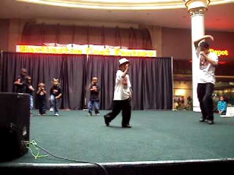 Radio Disney Performance with A-List Talent Little Dancers for Halloween 2009..