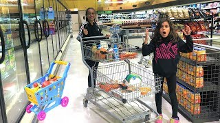 Kids Pretend Play Shopping at Supermarket for Healthy food!! funny video