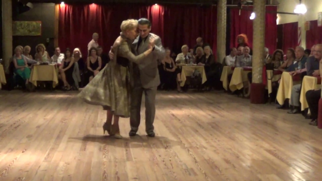 The Role Of Milonga Organizer In Creating An Environment Tango House Buenos Aires Is This Diagram For Dance Steps Where Tables Men And Women Are Interspersed Instead Having More Traditional Configuration Clearly Defined Separate Sections