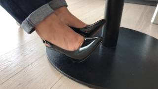 CAN CRUSH WITH BEAUTIFUL HEELS ON WOODEN FLOOR