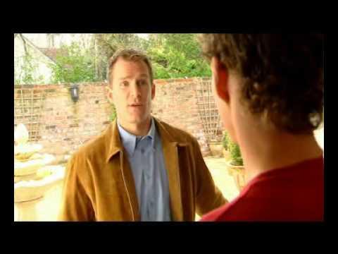 Ole Gunnar Solskjær selger sjela si til brunosten i 2003, commercial