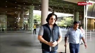 Fardeen Khan Spotted At Mumbai Airport | Spotted Diaries | The Laddu