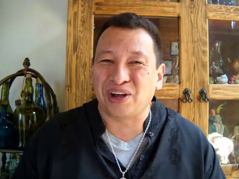 Maestro Sato. Video # 18: ¿ CREES QUE LOS TALISMANES Y AMULETOS TE ATRAEN BUENA SUERTE ?