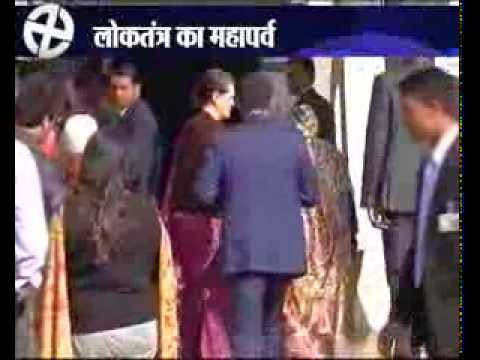 Shiela Dikshit, Sonia Gandhi, Kalam Cast Votes