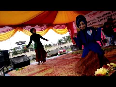 Download Tarian sibungong jahat.  Nazia marwiana and yuni Mp4 baru