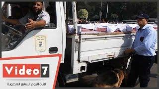 بالفيديو.. «الكلاب البوليسية» تؤمن جامعة القاهرة فى ثانى أيام الدراسة