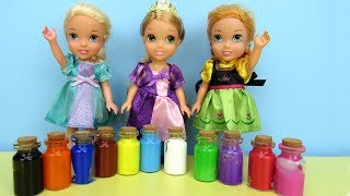 PAINTING ! Elsa and Anna toddlers play with Colors - footprints