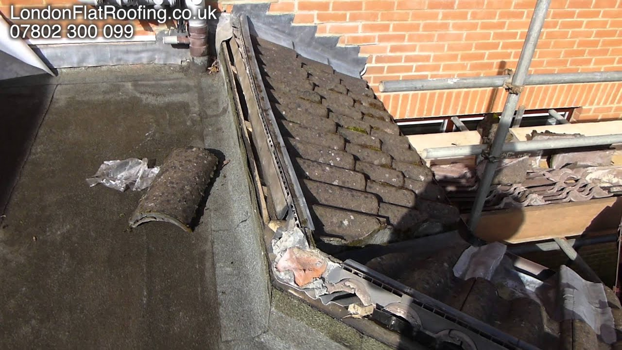 Cold Flat Roof Ridge Venting Example - YouTube
