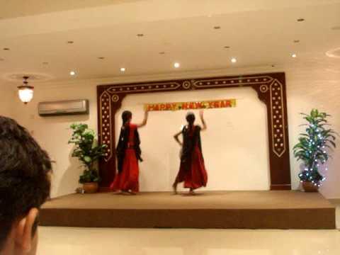 Mera Piya Ghar Aaya -dance In Qatar video