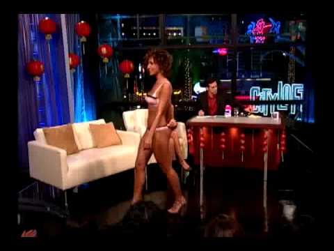 Barbara Mori Y Un Super Hot Desfile En Mas Vale Tarde video