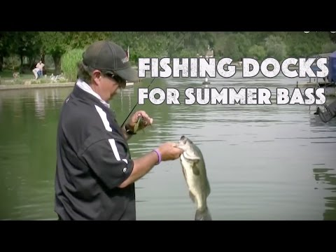 Fishing For Shallow Bass In The Middle Of Summer Around Docks video