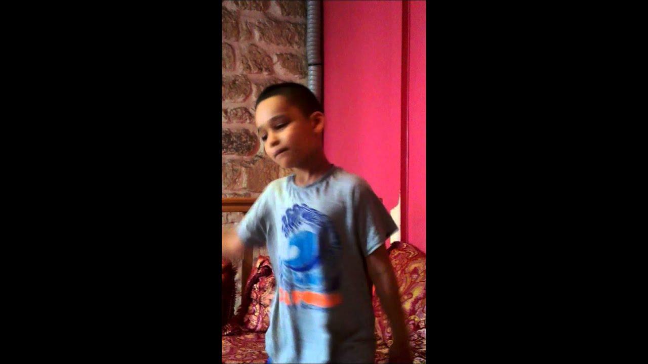 Petit algerien qui imite gaspi le rappeur malien - YouTube