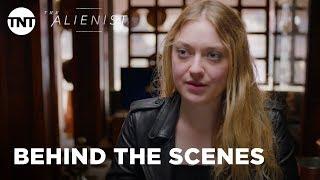 The Alienist: Women in Police with Dakota Fanning - Season 1 [BEHIND THE SCENES] | TNT
