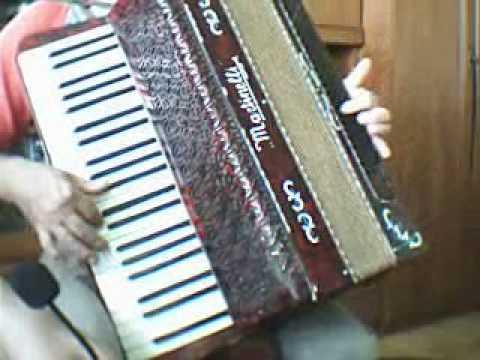 Gra Na 70-letnim Akordeonie (Martinelli)