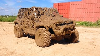 RC Jeep Wrangler in Hard Mud Axial scx10