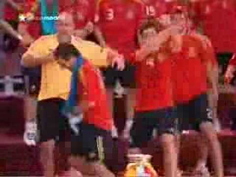 Pepe Reina enumera a todos los jugadores de la selección