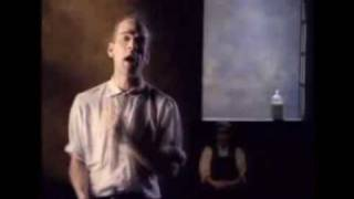 Клип R.E.M. - Loosing My Religion