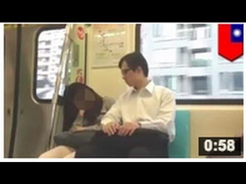 VIDEO: Un pervers pris en plein acte en train de molester une passagère endormie dans le métro