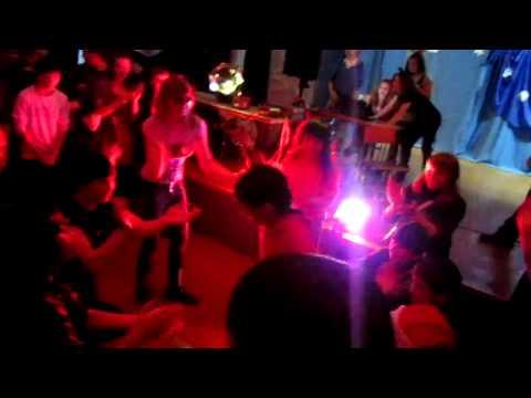частичка армянского танца на дискотеки :)