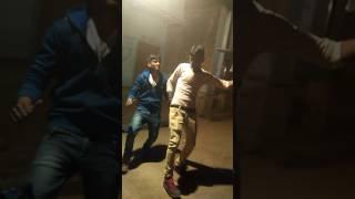दोसतो ने किया नये साल पर मेवाती गाने पर डांस