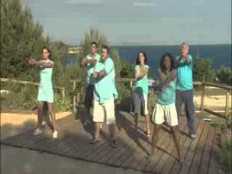 Vidéo La Chorégraphie De L'hymne De Camping Paradis video